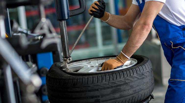 How Can You Change A Tyre From Rim Effortlessly?